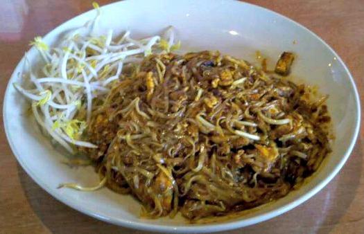 chicken-pad-thai1