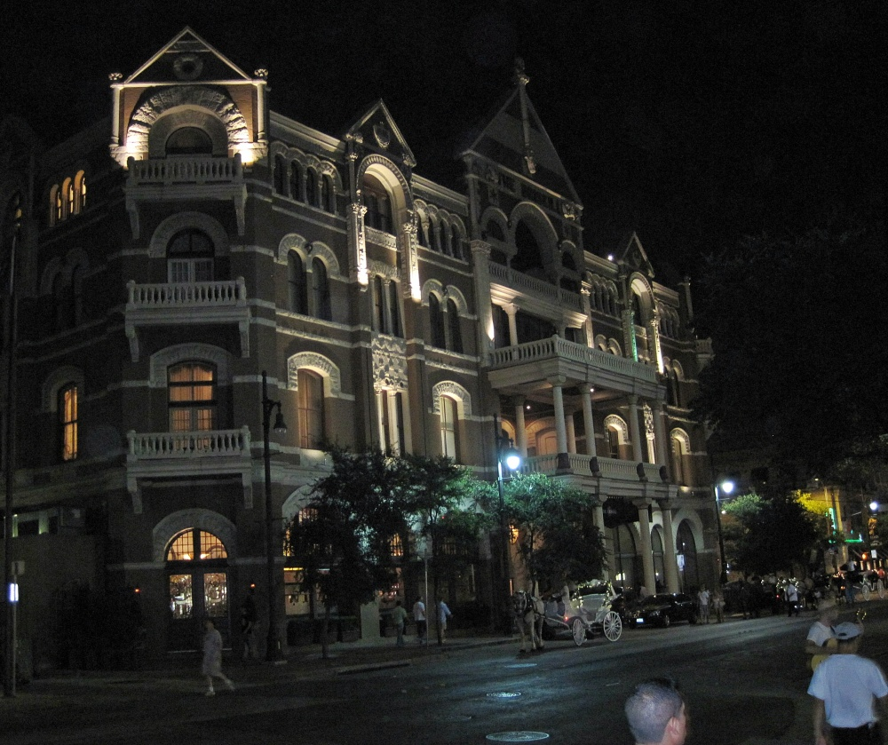 austin hotel at nighta